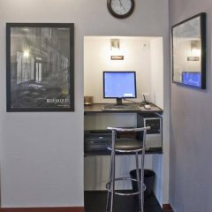 Отель Hippodrome Франция, Париж - отзывы, цены и фото номеров - забронировать отель Hippodrome онлайн гостиничный бар