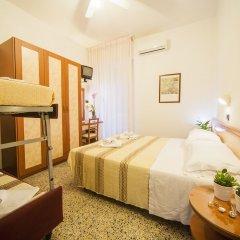 Hotel Lily Римини ванная