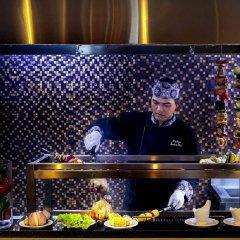 Отель Grand Mercure Yogyakarta Adi Sucipto Индонезия, Слеман - отзывы, цены и фото номеров - забронировать отель Grand Mercure Yogyakarta Adi Sucipto онлайн питание