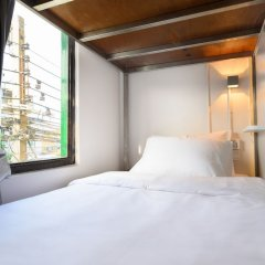 REST IS MORE Hostel Бангкок комната для гостей фото 5