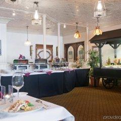 Отель Holiday Inn Ottawa East Канада, Оттава - отзывы, цены и фото номеров - забронировать отель Holiday Inn Ottawa East онлайн питание
