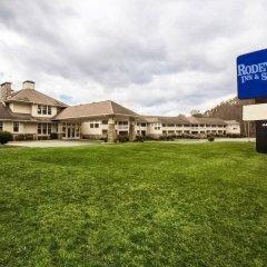 Отель Rodeway Inn And Suites On The River Чероки спортивное сооружение