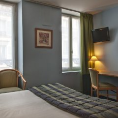 Hotel France Albion сейф в номере
