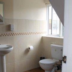 Отель Debden Guest House ванная
