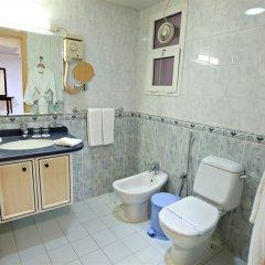 Отель Spark Residence Deluxe Hotel Apartments ОАЭ, Шарджа - отзывы, цены и фото номеров - забронировать отель Spark Residence Deluxe Hotel Apartments онлайн ванная фото 2