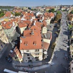 Hotel U Tri Pstrosu Прага балкон