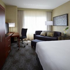 Отель Courtyard by Marriott Montreal Airport Канада, Монреаль - отзывы, цены и фото номеров - забронировать отель Courtyard by Marriott Montreal Airport онлайн комната для гостей фото 2