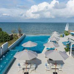 Отель The Rock Hua Hin Boutique Beach Resort бассейн