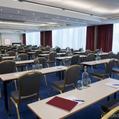 Отель Ramada Encore Geneva Швейцария, Ланси - 1 отзыв об отеле, цены и фото номеров - забронировать отель Ramada Encore Geneva онлайн помещение для мероприятий фото 2