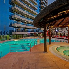 Copthorne Hotel Dubai бассейн