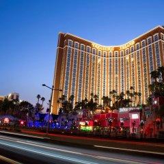Отель Treasure Island Hotel & Casino США, Лас-Вегас - отзывы, цены и фото номеров - забронировать отель Treasure Island Hotel & Casino онлайн вид на фасад