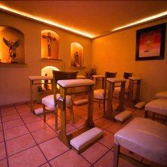 Hotel Hacienda del Sol развлечения