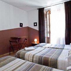 Отель Hostal Abaaly Испания, Мадрид - 4 отзыва об отеле, цены и фото номеров - забронировать отель Hostal Abaaly онлайн комната для гостей