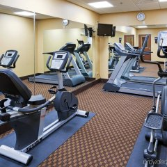 Отель Holiday Inn Express & Suites Somerset Central фитнесс-зал