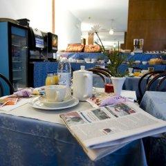 Отель La Pace Италия, Милан - отзывы, цены и фото номеров - забронировать отель La Pace онлайн питание