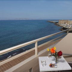 Kronos Hotel балкон