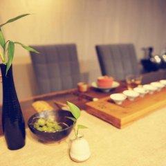 Отель Liuhe Courtyard Hotel Китай, Пекин - отзывы, цены и фото номеров - забронировать отель Liuhe Courtyard Hotel онлайн питание