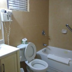 Glistening Waters Hotel ванная фото 2