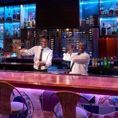 R Hotel Kingston гостиничный бар