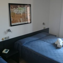 Отель Grand Meeting Италия, Римини - отзывы, цены и фото номеров - забронировать отель Grand Meeting онлайн комната для гостей фото 2