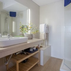 Отель Liiiving in Porto - Sea & River View ванная фото 2