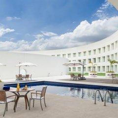 Отель Nh Collection Mexico City Airport T2 Мехико бассейн фото 2
