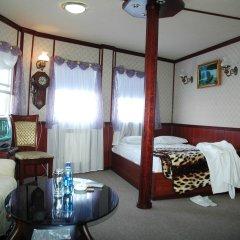Отель Bogdan Khmelnytskyi Киев комната для гостей