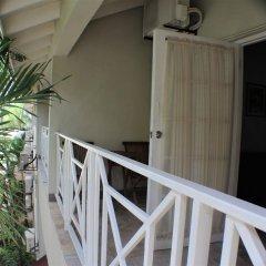 Отель Altamont Court Hotel Ямайка, Кингстон - отзывы, цены и фото номеров - забронировать отель Altamont Court Hotel онлайн балкон