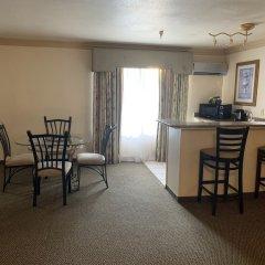 Отель Alexis Park All Suite Resort комната для гостей фото 5
