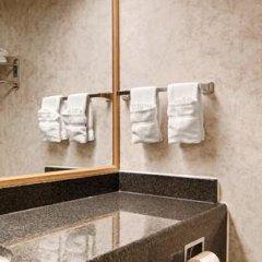 Отель Red Lion Hotel Rosslyn Iwo Jima США, Арлингтон - отзывы, цены и фото номеров - забронировать отель Red Lion Hotel Rosslyn Iwo Jima онлайн ванная