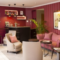 Europe Hotel Paris Eiffel гостиничный бар
