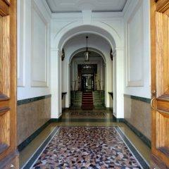 Отель Merulana 13 - Exclusive Rooms интерьер отеля