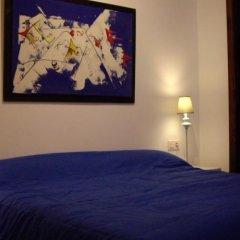 Отель B&b Almirante Валенсия сейф в номере