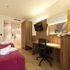Отель Holiday Inn Brussels Schuman Бельгия, Брюссель - отзывы, цены и фото номеров - забронировать отель Holiday Inn Brussels Schuman онлайн удобства в номере фото 2