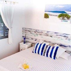 Отель Thulusdhoo Surf Camp Остров Гасфинолу комната для гостей