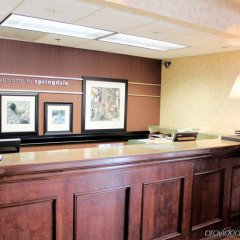 Отель Hampton Inn & Suites Springdale ванная