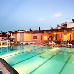Отель Marietta Aparthotel бассейн