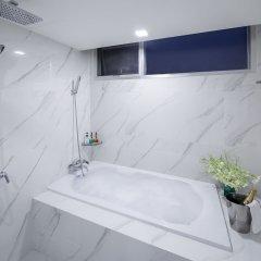 Отель Adelphi Grande Sukhumvit By Compass Hospitality Бангкок ванная фото 2