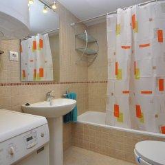 Отель Apartamentos Porto Mar Испания, Курорт Росес - отзывы, цены и фото номеров - забронировать отель Apartamentos Porto Mar онлайн ванная фото 2