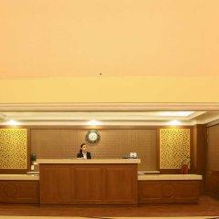 Отель Dee Marks Hotel & Resorts Индия, Нью-Дели - отзывы, цены и фото номеров - забронировать отель Dee Marks Hotel & Resorts онлайн интерьер отеля фото 2