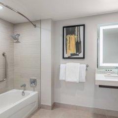 Отель Delta Hotels by Marriott Vancouver Downtown Suites Канада, Ванкувер - отзывы, цены и фото номеров - забронировать отель Delta Hotels by Marriott Vancouver Downtown Suites онлайн ванная фото 2