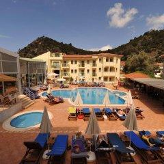 Belcehan Deluxe Hotel Турция, Олудениз - отзывы, цены и фото номеров - забронировать отель Belcehan Deluxe Hotel онлайн бассейн фото 2