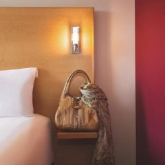 Отель ibis Cannes Plage La Bocca Франция, Канны - отзывы, цены и фото номеров - забронировать отель ibis Cannes Plage La Bocca онлайн удобства в номере фото 2