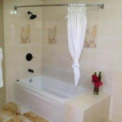 Отель Waters Edge Guest House ванная фото 2