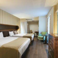 Отель Titanic Business Golden Horn сейф в номере