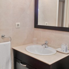 Отель DFlat Escultor Madrid 302 Apartments Испания, Мадрид - отзывы, цены и фото номеров - забронировать отель DFlat Escultor Madrid 302 Apartments онлайн ванная