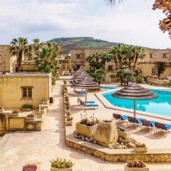 Отель Gozo Village Holidays Мальта, Гасри - отзывы, цены и фото номеров - забронировать отель Gozo Village Holidays онлайн бассейн фото 3