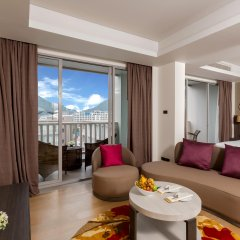 Отель Grand Mercure Phuket Patong 5* Представительский люкс с различными типами кроватей
