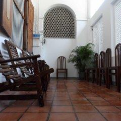 Отель Araliya Villa Fort интерьер отеля