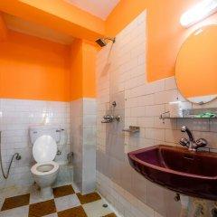 Отель Pomelo House Непал, Катманду - отзывы, цены и фото номеров - забронировать отель Pomelo House онлайн ванная